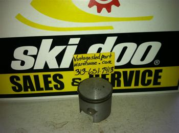 SKI DOO SAFARI PISTON 67.40 MM SNOWMOBILE VINTAGE SKI DOO PISTON 67.40 MM ROTAX BOMBARDIER SKIDOO