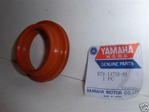SNOWMOBILE VINTAGE NOS YAMAHA SLED EXHAUST SEAL 878-1471801