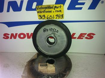 YAMAHA SUSPENSION WHEEL 810-47530-00 VINTAGE SNOWMOBILE YAMAHA IDLER WHEEL 25-5839-6