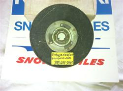 OMC SNOWMOBILE CLUTCH HALF 161 647 VINTAGE SNOWMOBILE JOHNSON CLUTCH HALF HELX 161 647